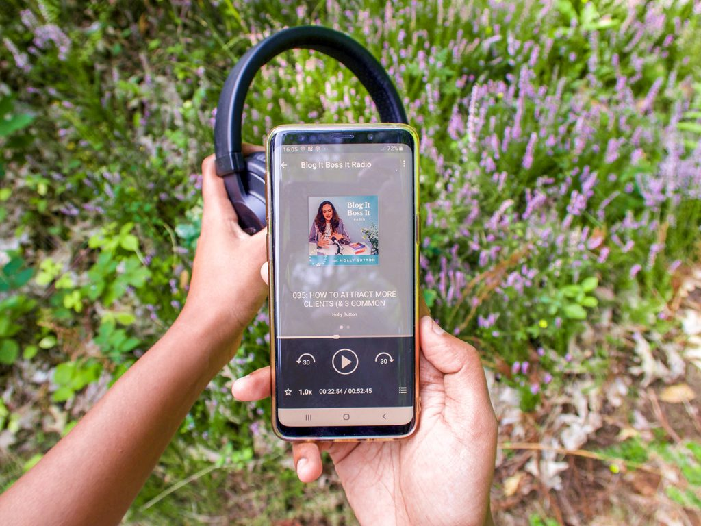8 Creative Podcasts to Listen to If You Want to Make Money Online-Blog it boss it podcast- #yourbosomfriend